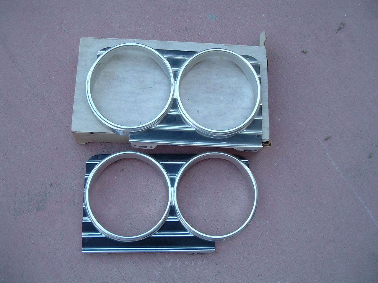 1966 chevrolet impala headlight bezel nos gm 3869747/ 3869748 (z 3869747/48)
