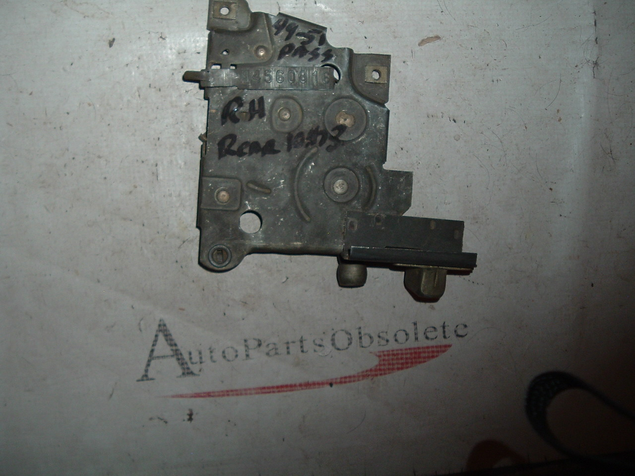 1949 50 51 chevrolet passenger door lock # 4560816 (z 4560816)