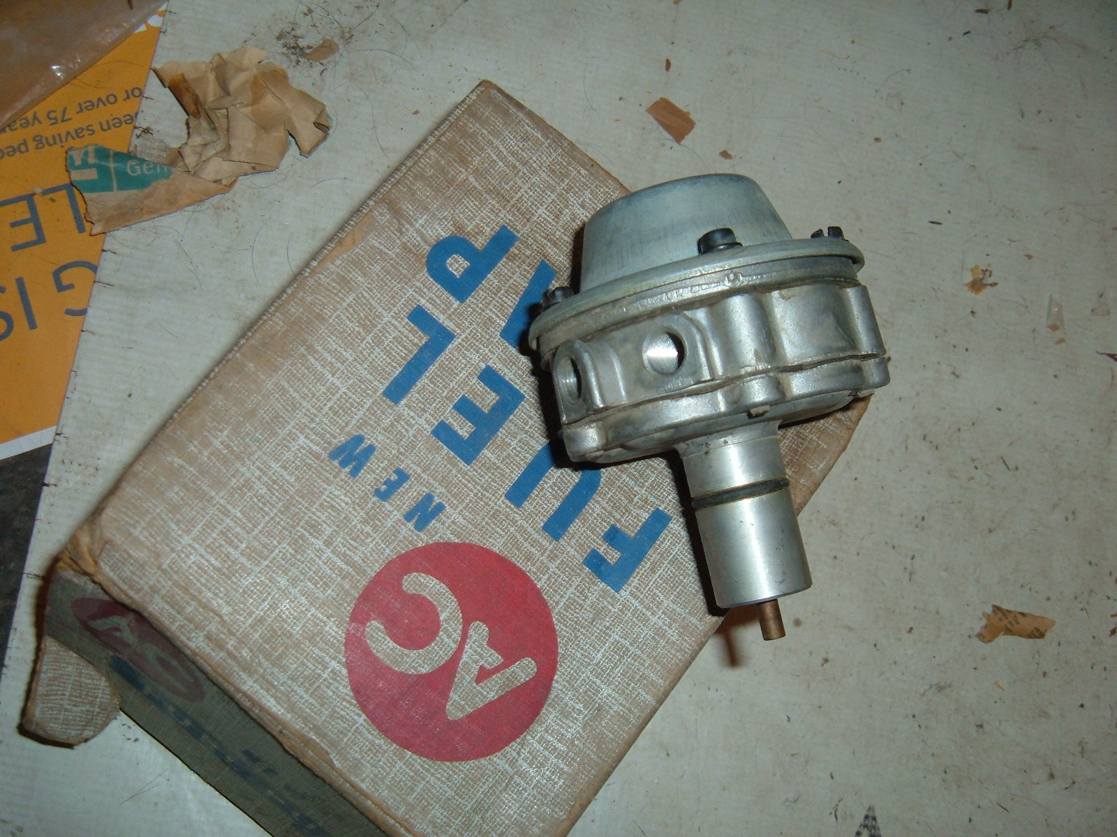 1960 1961 corvair fuel pump nos ac delco # 5594904 (z 5594904)