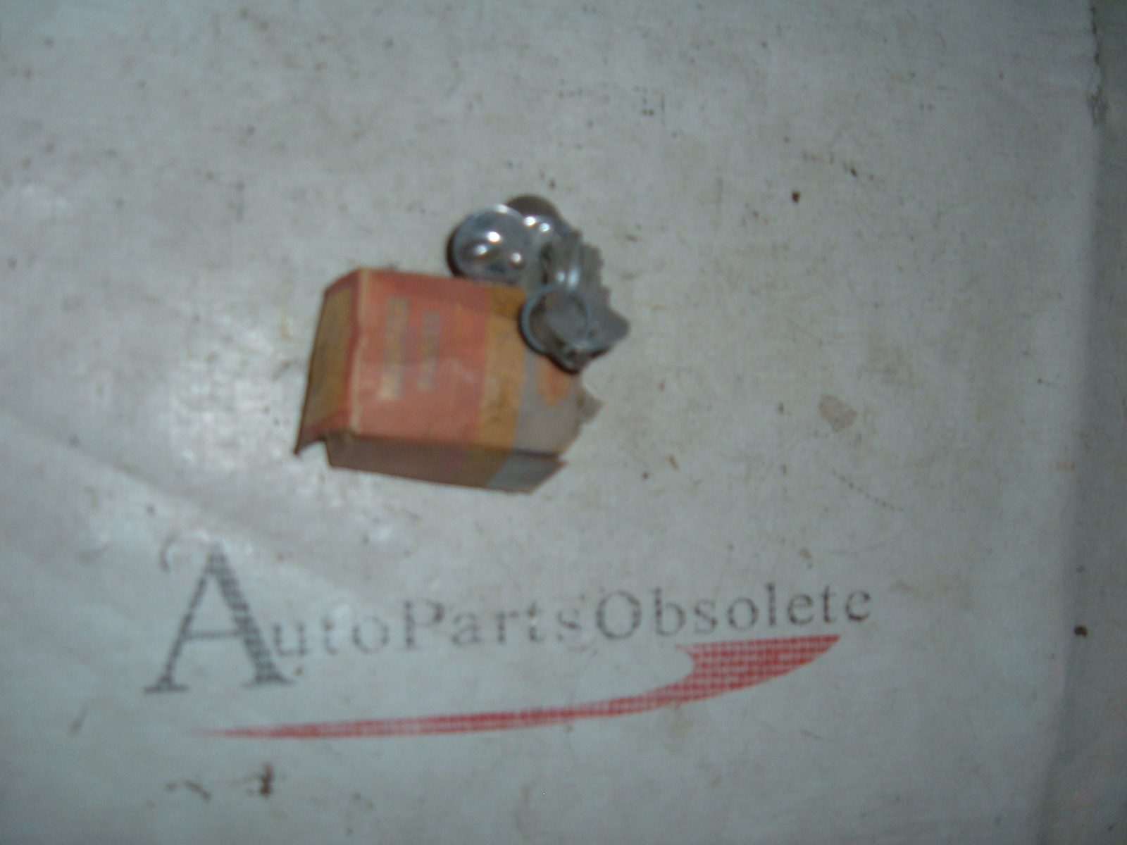 1050 51 52 dodge plymouth desoto trunk lock nos mopar # 1332805 (z 1332805)