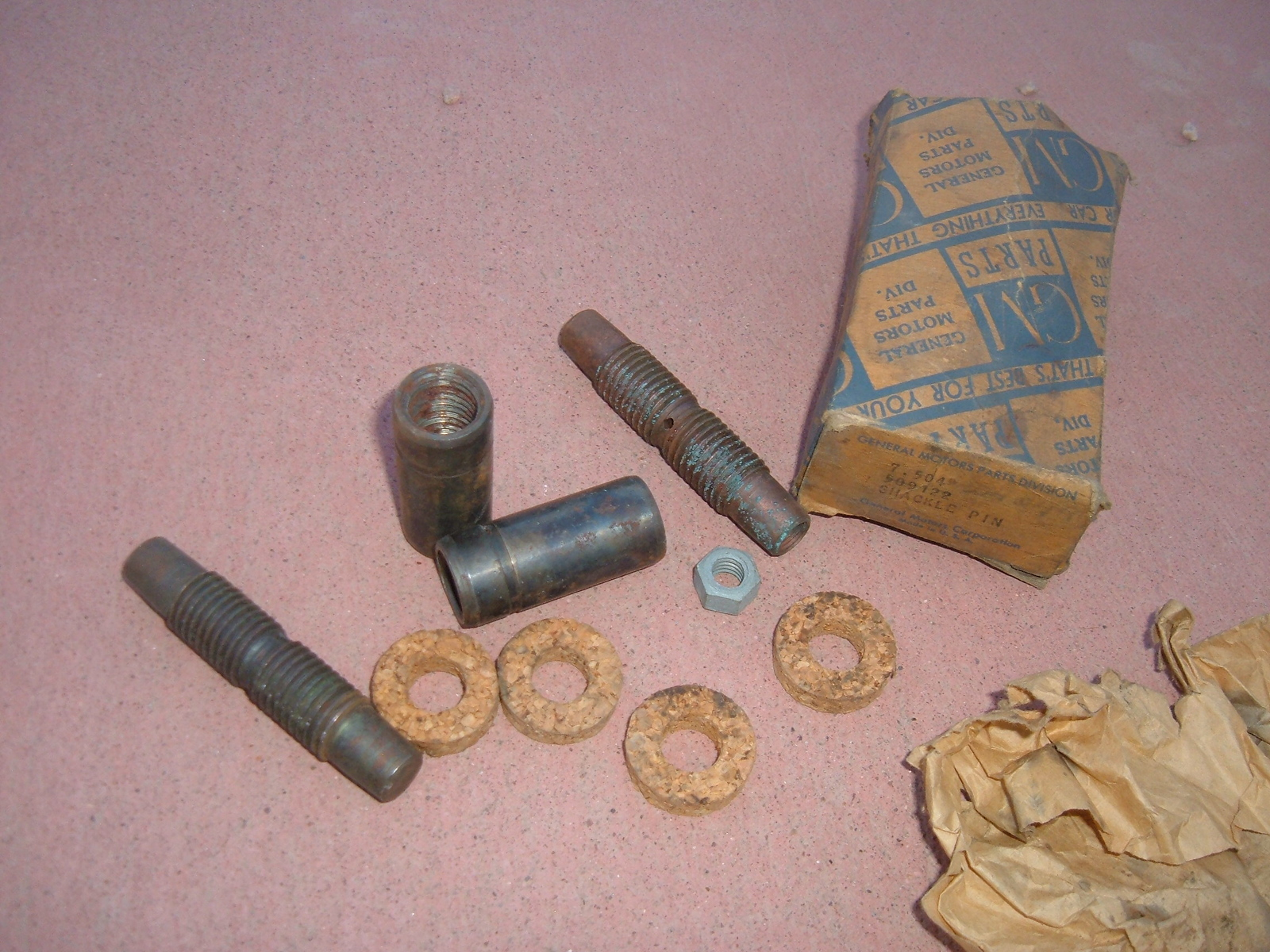 1937 38 39 40 41 42 46 47 48b 49 pontiac spring shackle pin kit nos 509422 (z 509422)