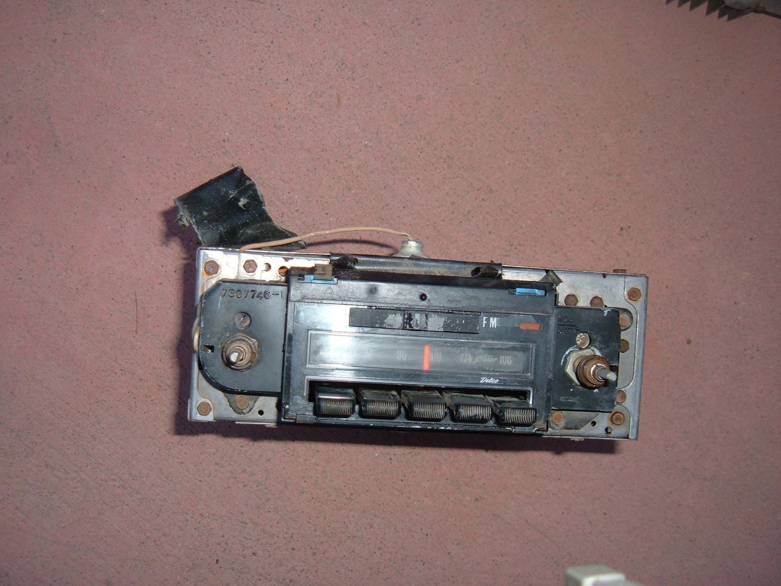 View Product1971 72 chevelle malibu AM/FM radio stereo factory original (z 71-2amfmrad)
