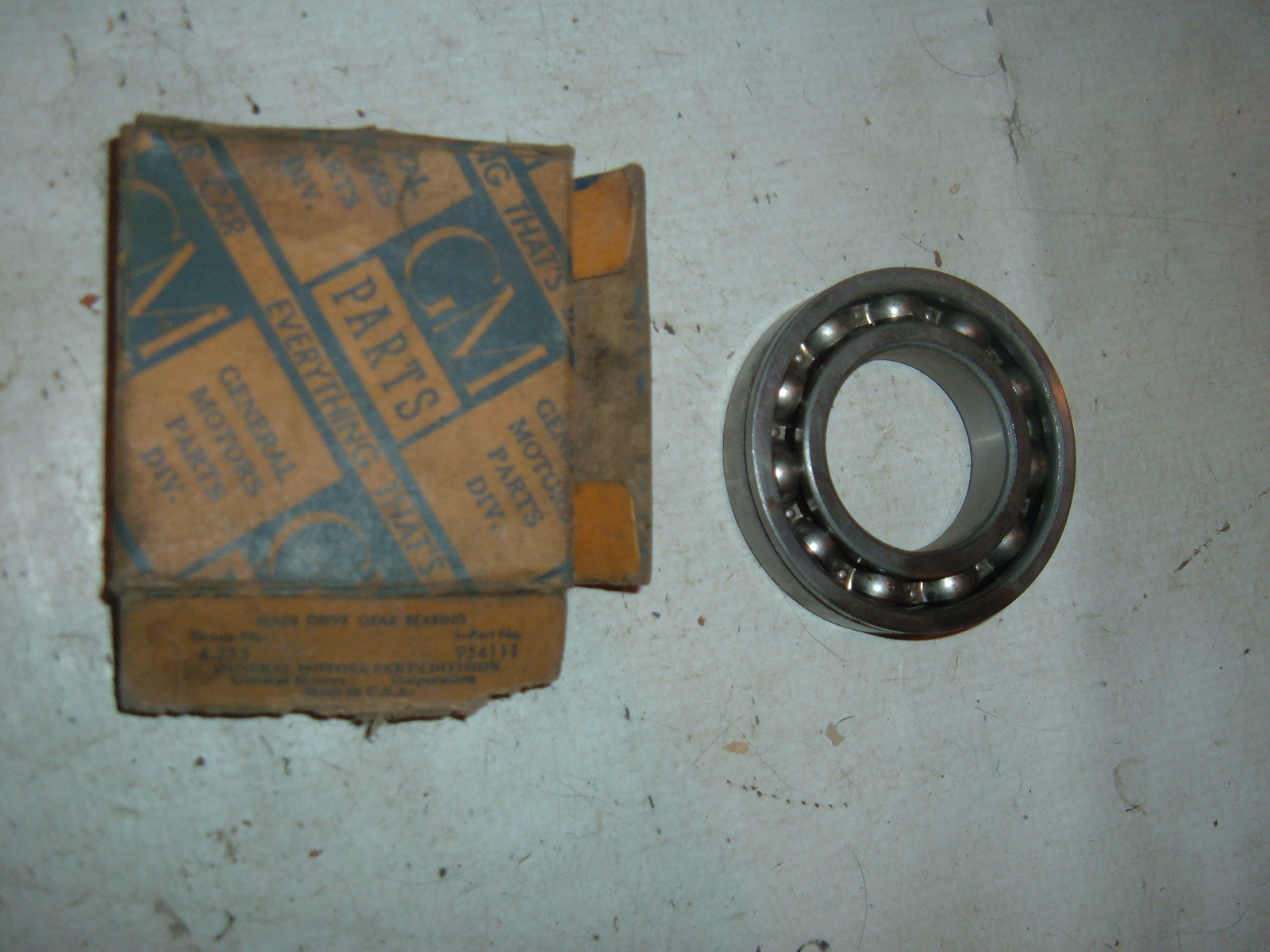1933 34 35 36 chevrolet front main shaft transmission bearing nos gm # 954111 (z 954111)