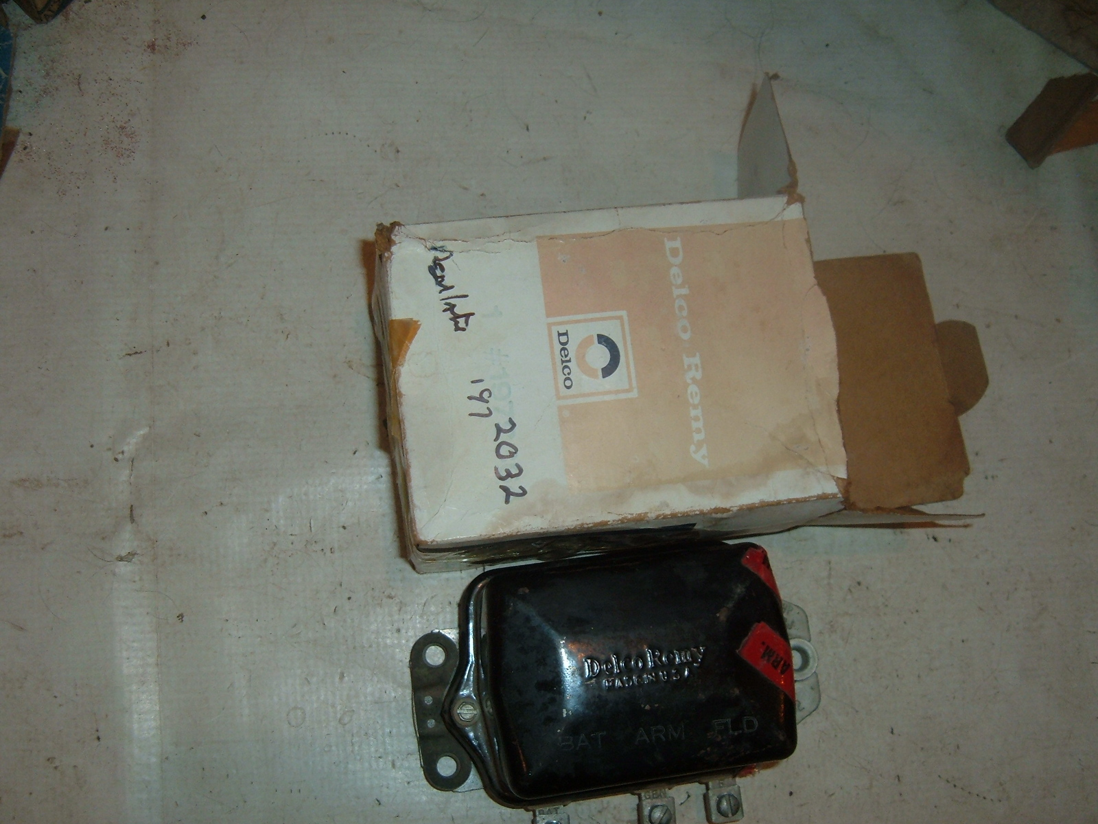 View Product1946 47 48 49 50 51 studebaker voltage regulator 6 vt nos ac delco # 1972032 (z 1972032)
