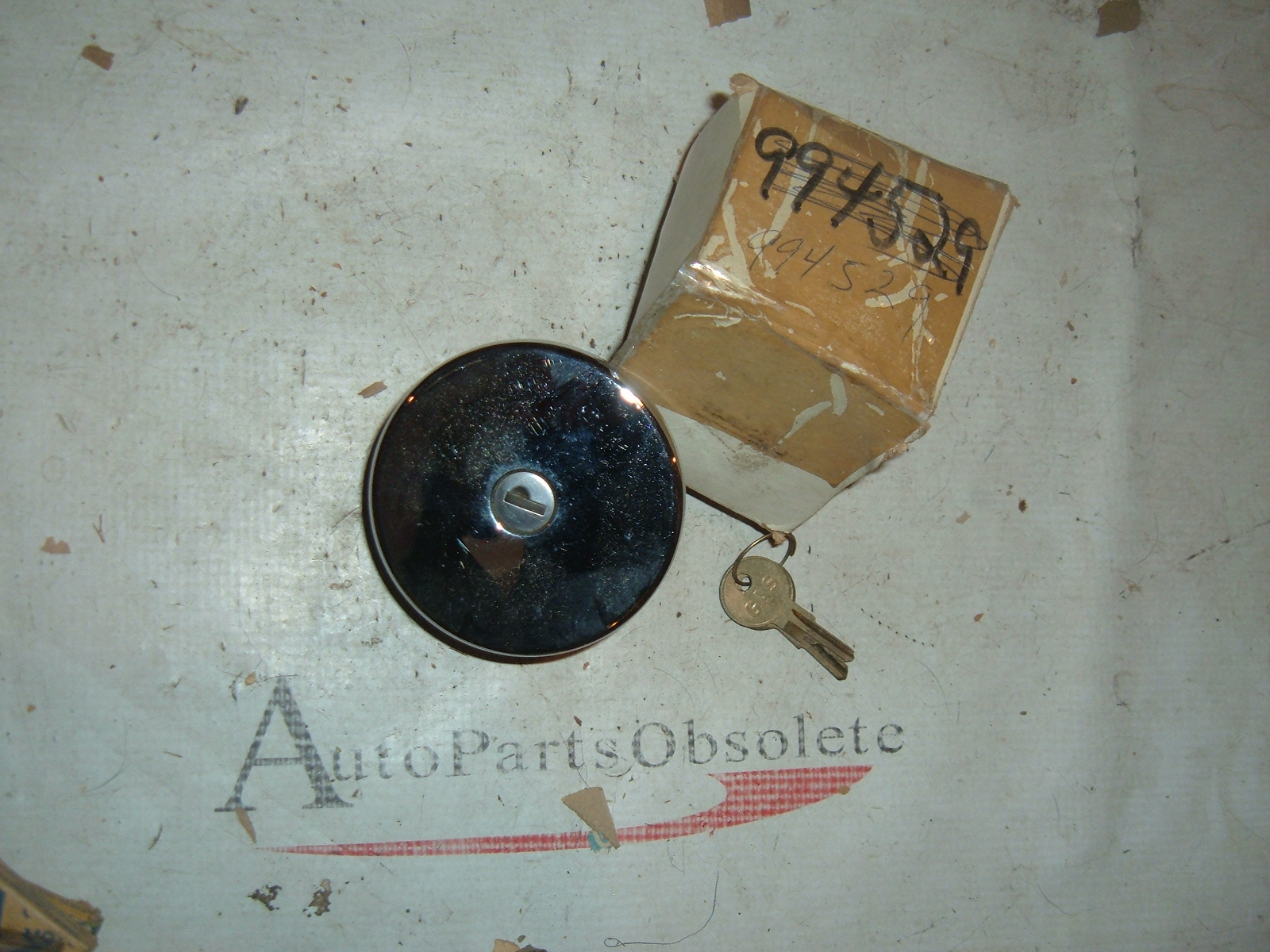 View Product1973 74 75 76 chevrolet truck locking gas cap nos gm # 994529 (z 994529)