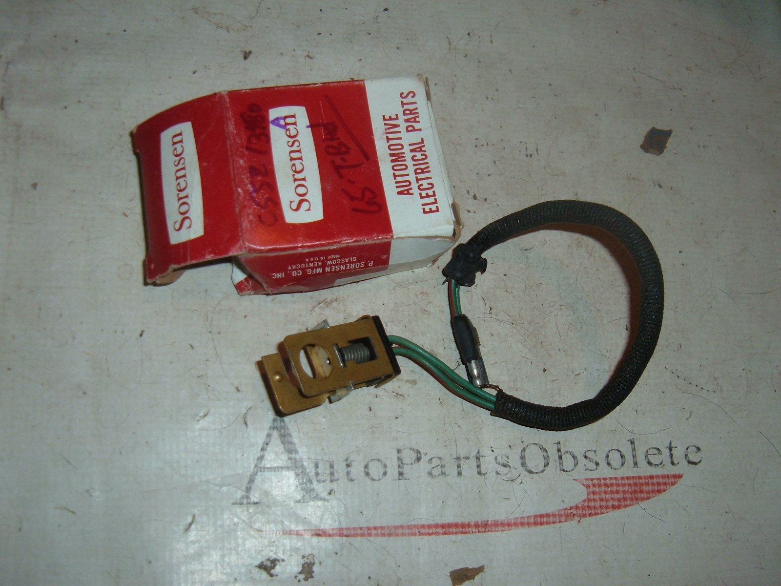 View Product 1965 ford Thunderbird brake light switch C5SZ-13480-A (a C5SZ-13480B)