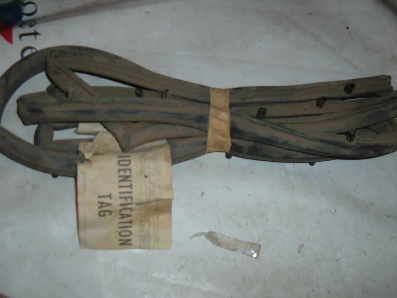 1970 rambler hornet door weatherstrip nos 3631832 (z 3631832)