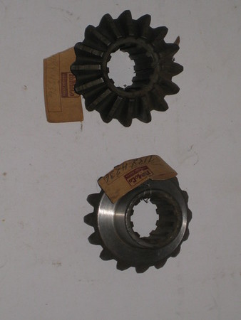 1948 1949 1950 1951 1952 Ford truck NOS differential side gears # 7ry-4236