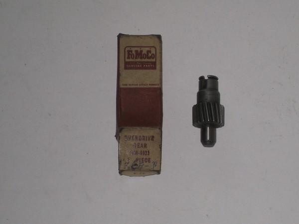 1948 1949 1950 1951 Mercury NOS overdirve speedometer gear # 8m-6922