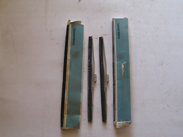 1949 thru 1957 Chevrolet passenger car & corvette NOS windshield wiper blades (2 pcs) # 3733355 (zd 3733355)