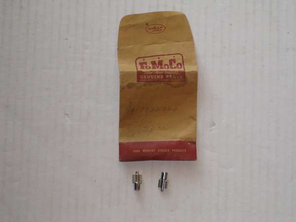 1953 19541955 1956 Ford NOS vent window key # 8a-7022920