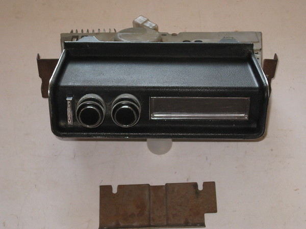 1970 thru 1981 Pontiac Firebird & Trans AM used 8 track tape player (zd 02bt411)