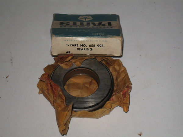 1936 thru 1978 Mopar NOS clutch throw out bearing mopar # 658998 (zd 658998)