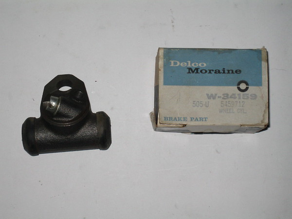 1960 1961 1963 1963 1964 Chevrolet Corvair NOS rh brake cylinder GM # 5459712 (zd 5459712)