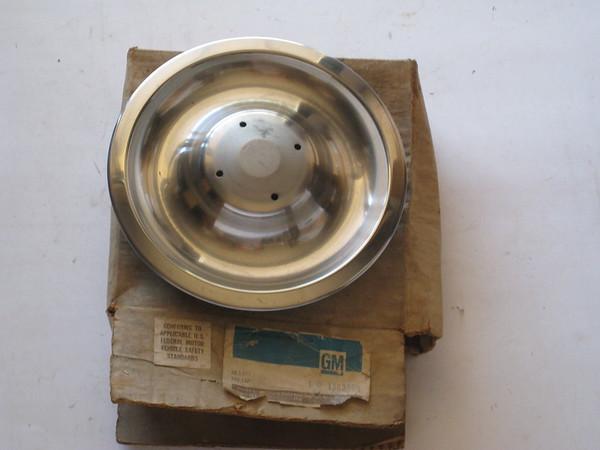 1967 1968 Chevrolet Camaro Corvette NOS rally wheel disc brake hub cap #3901712