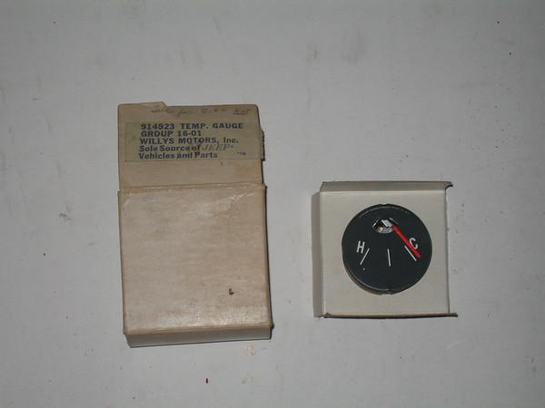 1958 thru 1971 Jeep NOS water temperature gauge # 914923 (zd 914923)