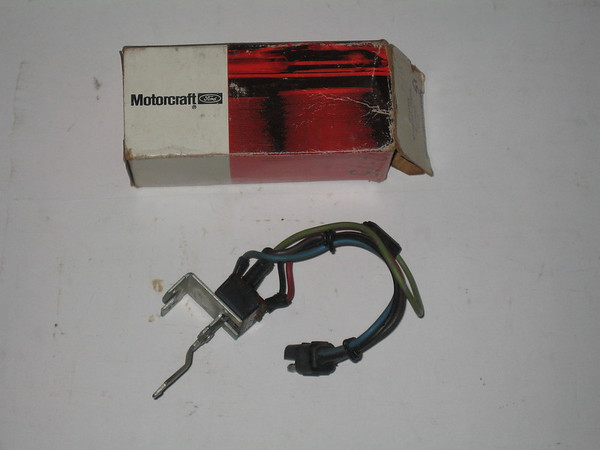 1970 thru 1976 Ford Maverick Mercury Comet NOS a/c blower motor switch # yh-74 (zd yh-74)