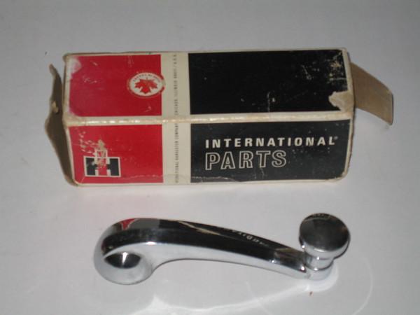 1961 1962 1963 1964 1965 1966 1967 1968 International IH Scout NOS window crank handle # 874053-91 (zd 874053-R91)