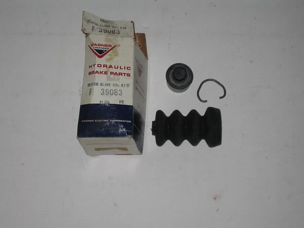 View Product1961 thru 1976 IH International new clutch slave cylinder kit # f39083 (zd f39083)
