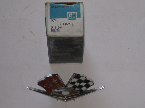 1962 1963 1964 9165 1966 Chevrolet Corvette NOS front fender cross flag emblem # 3872930 (zd 3872930)