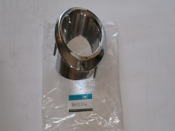 1966 1967 Chevrolet Corvette NOS RH exhaust chrome bezel # 3892226 (zd 3892226)