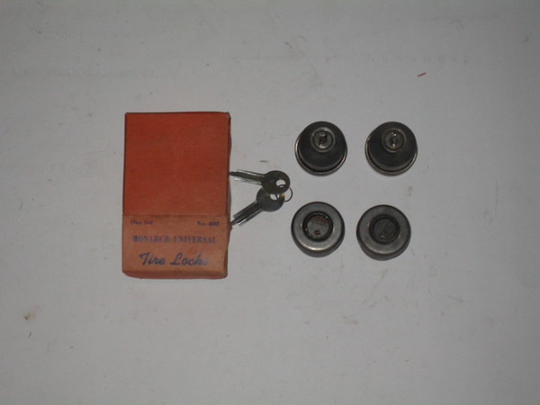 1930's 1940's 1950's New vintage universal tire locks w/keys # m408 (zd m408)
