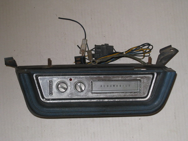 1968 Oldsmobile Cutlass 442 F85 used 8 track tape player # 7305933