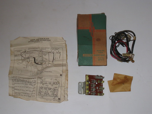 1956 Chevrolet passenger car NOS junction block unit accessory # 987419