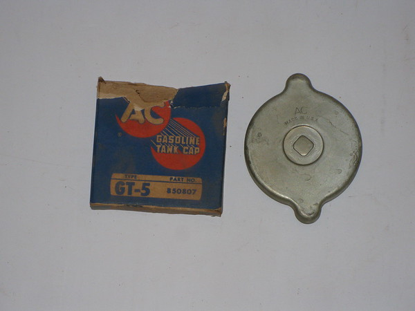 1935 thru 1957 Ford Lincoln Mercury NOS gas cap # 850807, gt5
