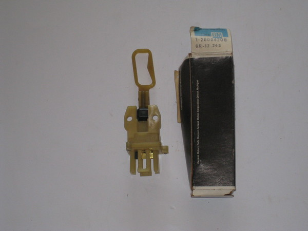 1977 1978 1979 1980 1981 Chevrolet Impala Caprice station wagon NOS window regulator tailgate upper lock switch # 200042