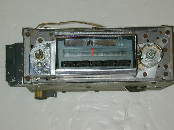 1967 1968 Chevrolet Full size models used AM/FM radio # 986847