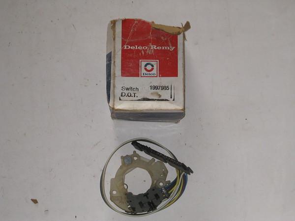 1973 74 75 76 77 78 79 1980 81 82 83 Chevrolet GMC truck NOS trun signal switch # 1997985