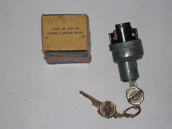 1949 1950 51 52 53 54 55 1956 Chrysler Desoto Dodge Plymouth NOS ignition switch w/keys # 1642495