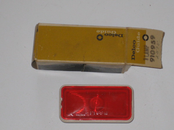 1969 Chevrolet full size models NOS rear side marker lamp # 910959
