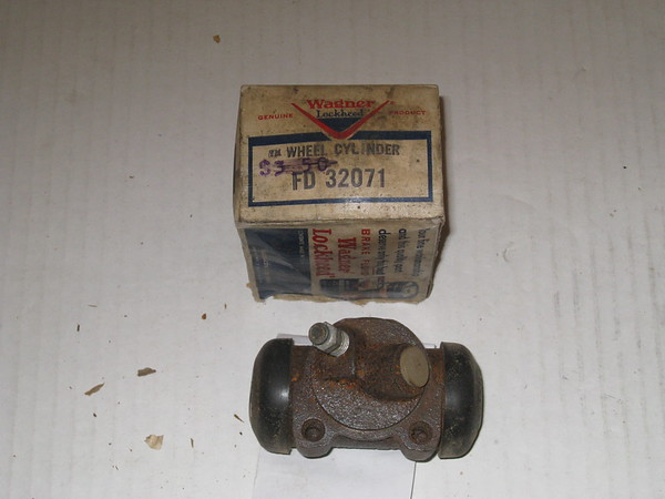 1959 1959 Oldsmobile 88 98 new replacement LH front brake wheel cylinder # fd32071, 5459933