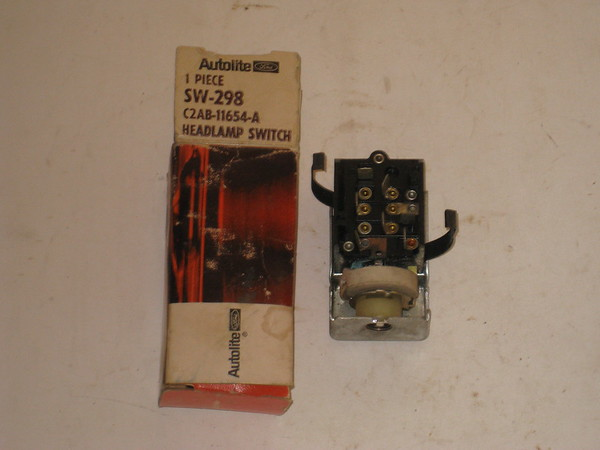 1961 1962 Ford full size models NOS headlight switch # c2ab-11654-a (zd c2ab-11654-a)
