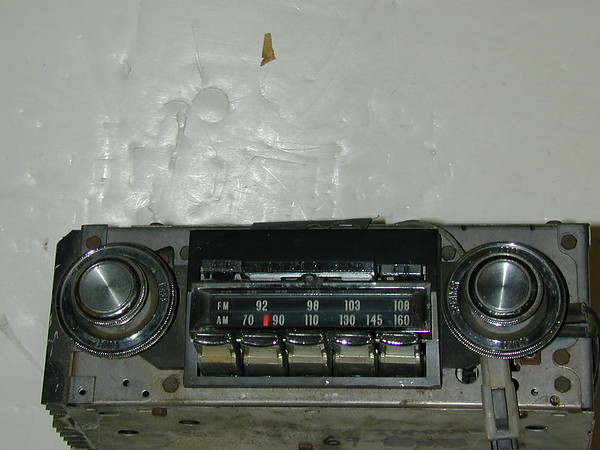 1969 Oldsmobile Toronado used AM/FM Wonderbar radio # 93efw1