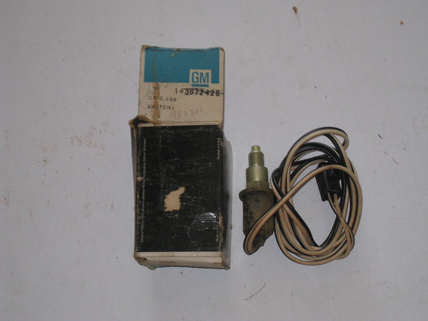 1964 Pontiac GTO Lemans Tempest NOS 3 speed trans reverse back up lamp switch # 1993326