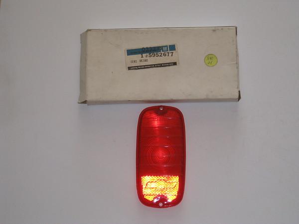 1960 1961 1962 1963 1964 1965 1966 Chevrolet Fleetside pick up NOS tail lamp lens # 5952677