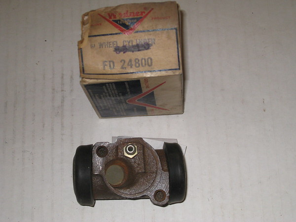 1957 1958 Oldsmobile 88 98 new replacement LH front brake wheel cylinder # fd24800, 5455783