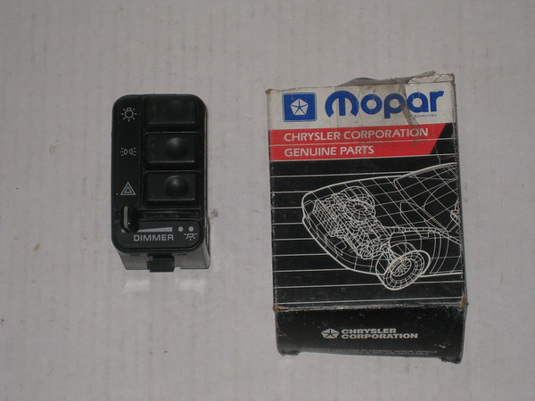 1992 1993 1994 1995 Chrysler Dodge mini van NOS headlight switch # 4373305