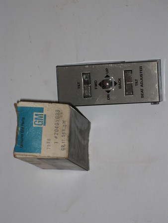 1985 1986 1987 1988 1989 Buick Electra 6 way electric seat switch # 20405099