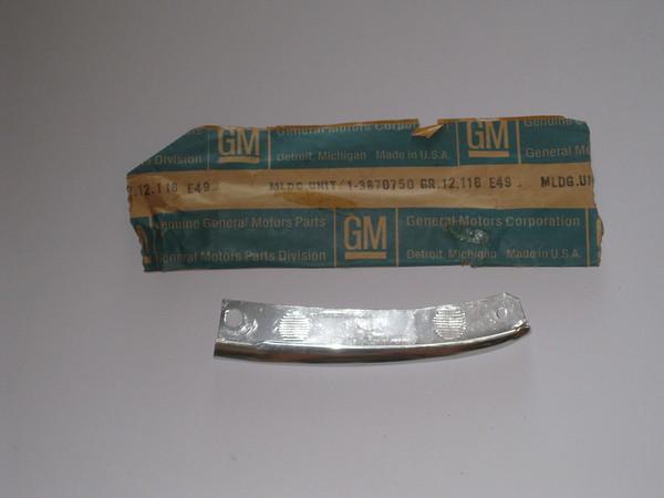 1965 Chevrolet Corvair NOS RH rear quarter molding # 3870750