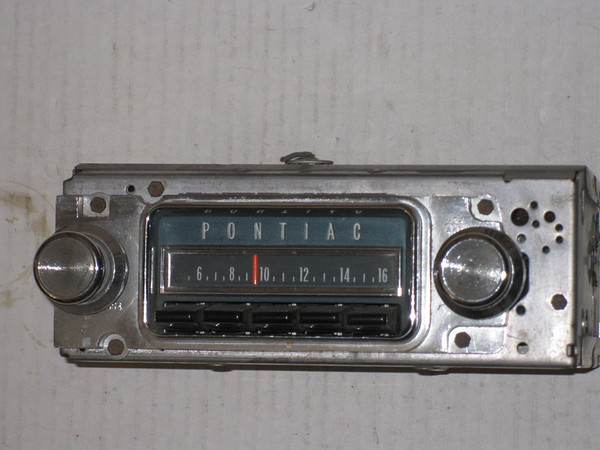 1967 Pontiac GTO Lemans Tempest used AM radio # 7298802u