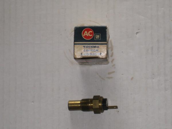 1976 1977 1978 1979 Chevrolet NOS coolant temperature sending switch # 8992347