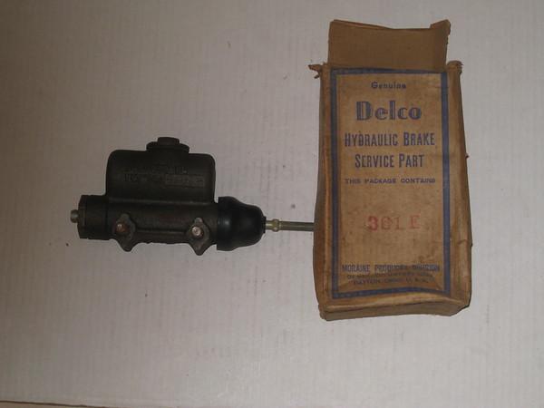 1941 Chevrolet COE truck NOS brake master cylinder # 361-e gm # 5450269