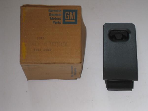 1984 1985 1986 1987 Chevette Pontiac T1000 NOS ash tray # 375464