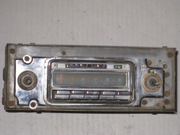 1967 Pontiac GTO Lemans Tempest used am fm radio # 7298812u