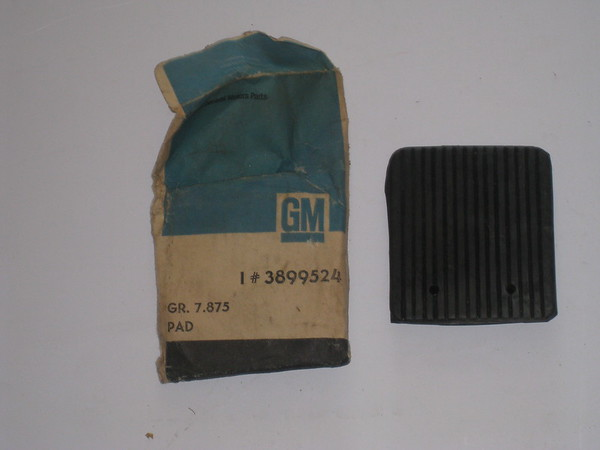 1967 1968 Chevrolet full size models station wagon NOS rear bumper rubber pad # 3899524