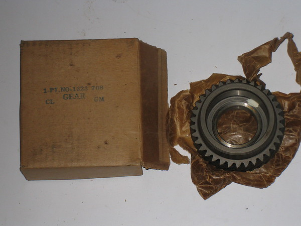1946 48 1950 52 54 Chrysler Desoto Dodge NOS transmission countershaft gear # 1323708